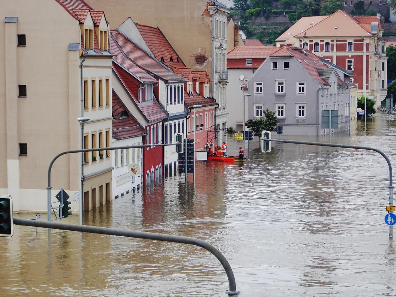 Das solltest Du bei Hochwasser in Deutschland beachten